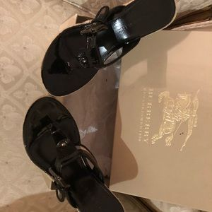 New Burberry sandals
